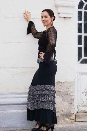 Elasticated flamenco skirt with ruffles and high waist