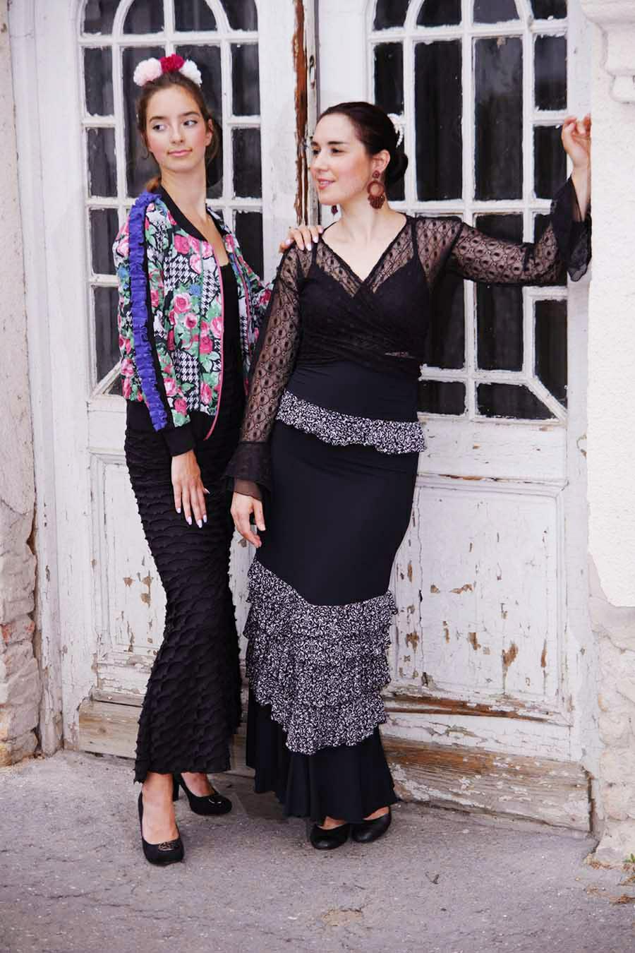 Elasticated flamenco skirt with ruffles and high waist
