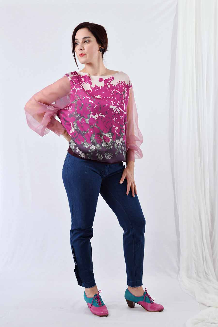 Satin blouse with tulle sleeves in pink