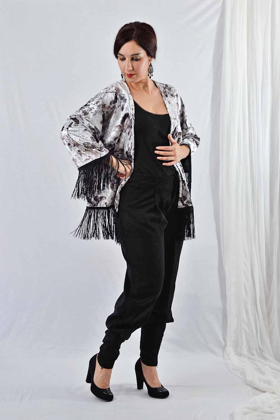 Velvet Kimono jacket with fringes in silver